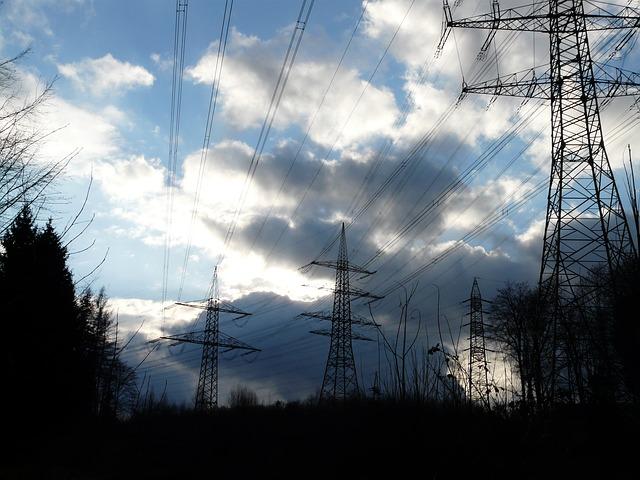 pylons-49625_640
