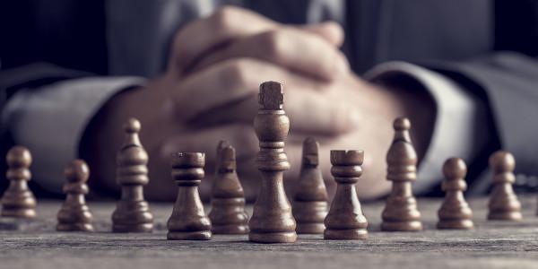Diese 6 Dinge gehören auf eine Battle Card – mit Vorlage